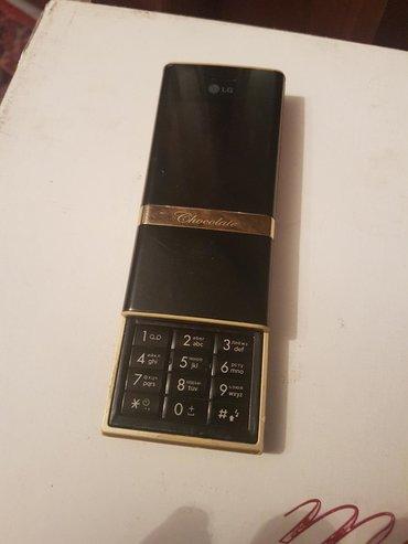 Antik madel telefon tam idial veziyetdei qesheng ishdiyir