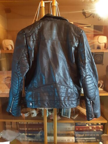 Kožna jakna iz Zare. Veličina(S): 13/14Nova(bez etikete) promašena