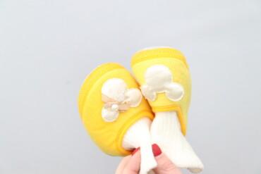 Дитячі яскраві пінетки для дівчинки    Довжина підошви: 13 см  Стан ду