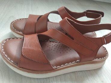 Женская обувь - Бишкек: Продается сандалии из натуральной кожи новое, размер 38 фирма diego