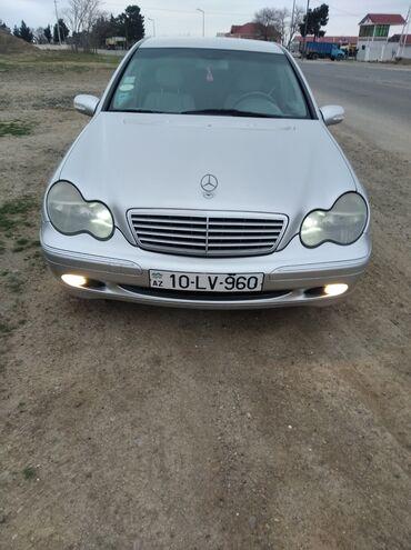 Mercedes-Benz C 200 2 l. 2002 | 284885 km