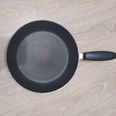 Сковорода Tefal 24 см. С быстрым разогревом. Производство Корея