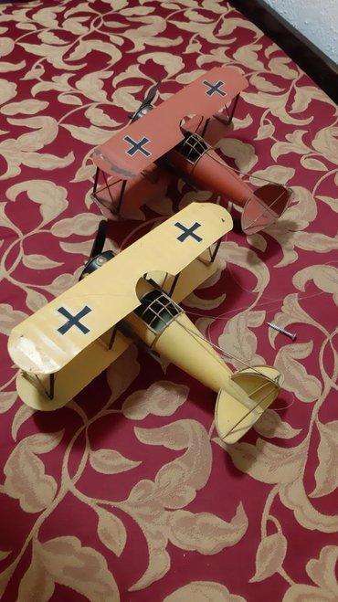 Maketa Aviona. Bez oštećenja i skroz očuvani.Odlicni kao