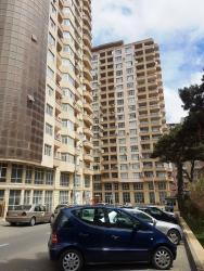 шкаф в зал в Азербайджан: Сдается квартира: 3 комнаты, 100 кв. м, Баку
