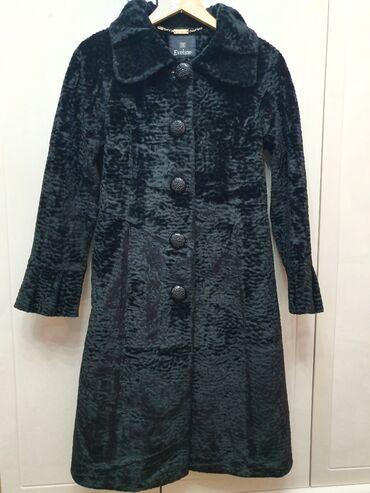 Куртки и пальто,чистый каракуль. Все по 1800с. Очень хорошего