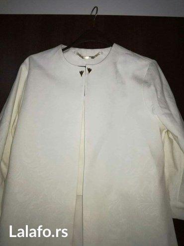 Sako-suknja - Srbija: Komplet beli sako i suknjanovoprelepo stojisako ide u a i rukavi