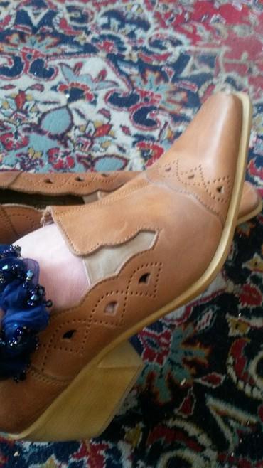 бу балетки в Кыргызстан: Кожа из герм обувь хорош сост бу 1000сом и желтые 200сом бу