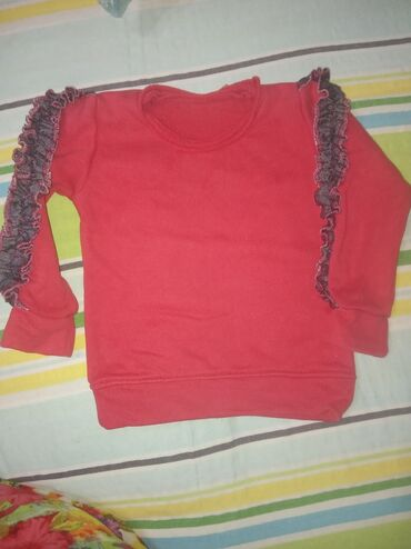Dečija odeća i obuća - Knjazevac: Paket od 3 toplije bluzice velicina od 2 do 3 god,pisite na viber