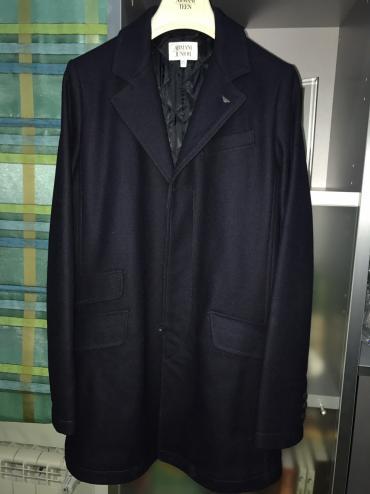 uşaq paltosu - Azərbaycan: Armani junior usaq paltosu orijinal bir defe geyinilib. 700e alinub