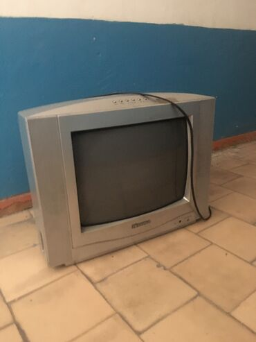 Телевизор работает можно на запчасти