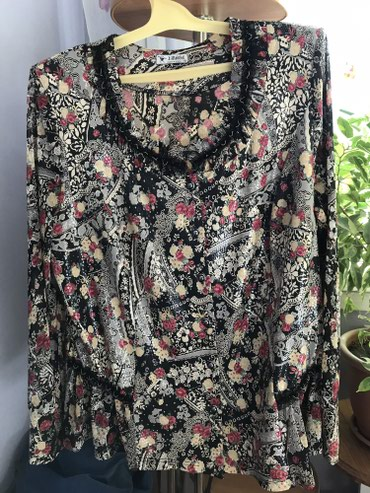 блузки с коротким рукавом в Кыргызстан: Блузка корея, 54 размер, рукав сеточка, состояние отличное