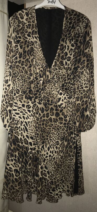 вечернее леопардовое платье в Кыргызстан: Платье на запах модного леопардового принта сшито было на заказ очень