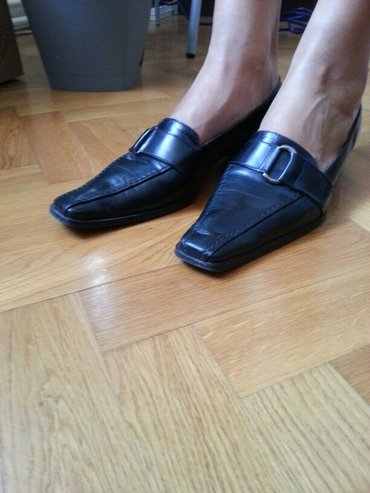 Ženske crne elegantne cipele, kozne broj 39,u odličnom stanju. - Vrsac