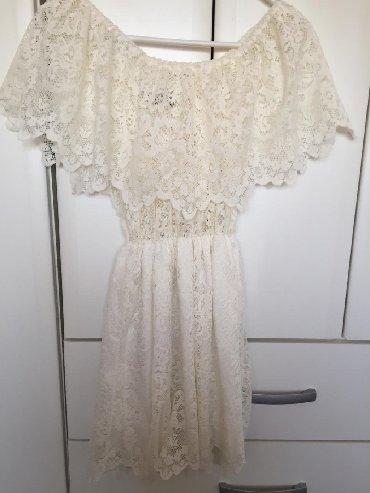 Haljina kolena - Srbija: Cipkasta bela haljina, univerzalne je velicine, odgovara i onima koji