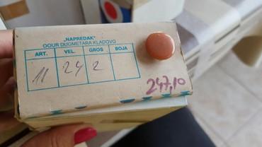 Dugmad za manzetne - Srbija: Dugmad 288 komada boja na slici cena za kutiju