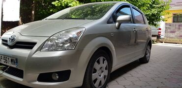 Toyota Corolla Verso 2.2 л. 2008