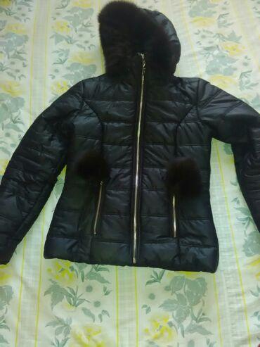 Jakna sa prirodnim krznom - Srbija: Prelepa jakna zimska crna sa prirodnim krznom na kapuljaci I na dva