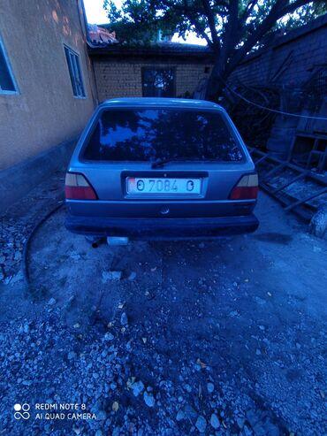 Volkswagen - Бишкек: Volkswagen Golf 1.8 л. 1988