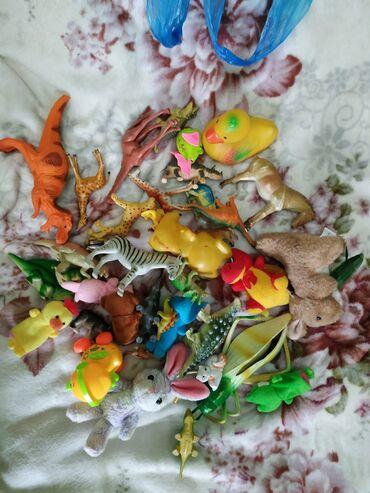 Игрушки разные, животные. За все 200 сом