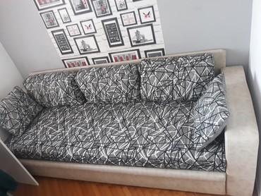 Krevet na razvlacenje, koriscen ali ocuvan, bez ostecenja. Sa - Belgrade