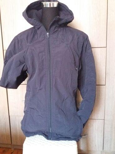 Zimske - Srbija: Odlicno ocuvana zimska jakna. teget boje, 4-ri spoljasnja dzepa