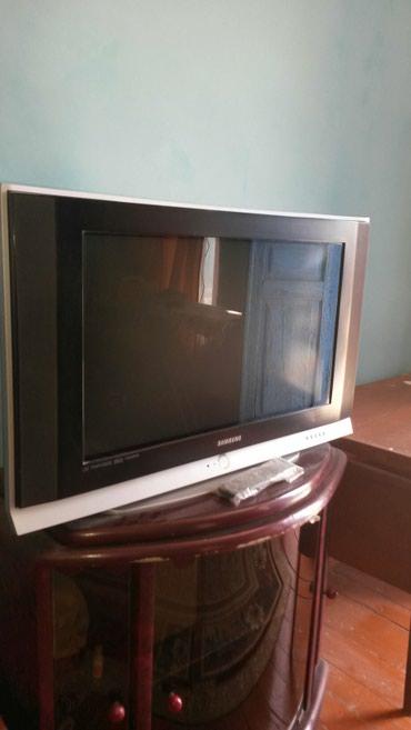 Bakı şəhərində 82 sm ekran samsung telvizordu rengi itib zapcast kimide alib