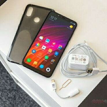 xiaomi mi 4i в Азербайджан: Б/у Xiaomi Mi 8 64 ГБ Черный