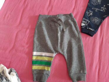 Dečija odeća i obuća - Becej: Paket odece broj 69-74, ocuvano nije nigde pokidano jako malo noseno