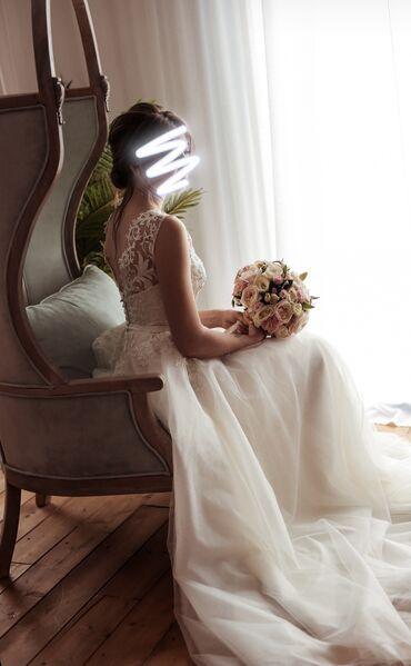 Свадебные платья и аксессуары - Бишкек: Продаю свадебное платье. Сшито на заказ, корсет расшит вручную. Одето