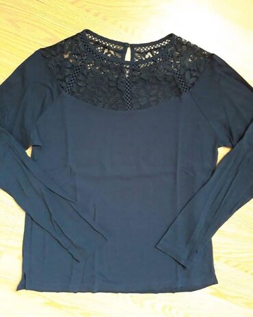 Bluzica katrin - Srbija: Teget bluzica M velicine. 500 din