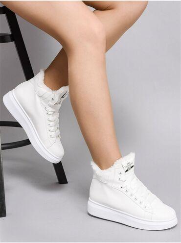 Параметры Материал подкладки обуви : искусственный мех Материал