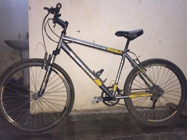 26 liq velosiped satisi - Azərbaycan: Velosiped, 26-liq, bir problem var, asagi qiyemti var, isteyen yazsin