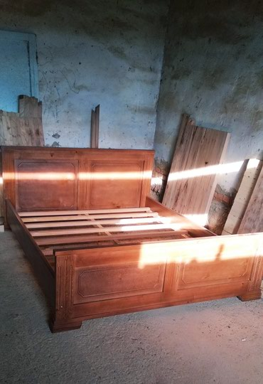Кровать двуспальная 160:200 из дерева в Бает