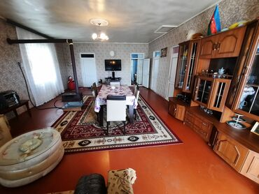 Daşınmaz əmlak - Azərbaycan: Evlərin satışı 100 kv. m, 3 otaqlı