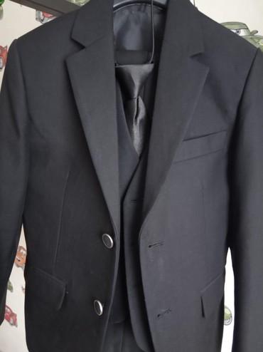 Костюм на первый класс с двумя брюками и рубашкой в Бишкек