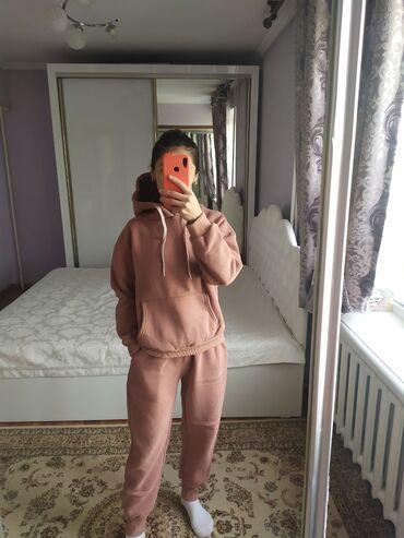 спортивные хиджабы в Кыргызстан: Утепленный спортивный костюм. Размер М. В отличном состоянии. Брали за