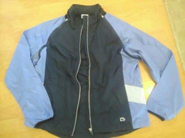 Zenska jaknica suskavac par puta obucena.Mogu se skinuti rukavi pa da - Bajina Basta