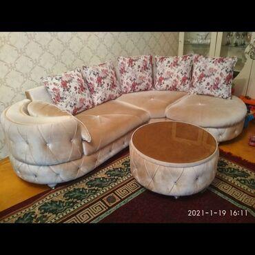 Künc divan satılır.əla vəziyyətdədir,pufik ilə birlikdə 550azn.ünvan