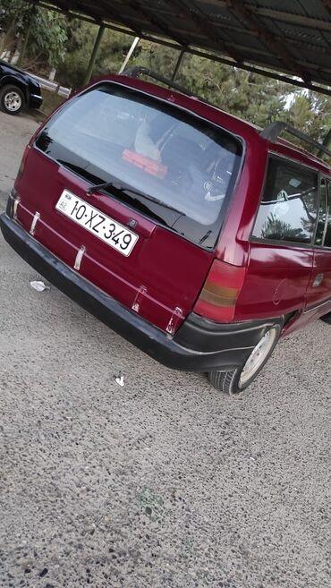 qırmızı bodilər - Azərbaycan: 3000 Manat  Unversaldi Opel astra  Hal hazirda surulur xercleri var