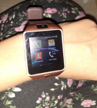 Smart watch malo koriscen ispravan uz njega ide kutija i kabal