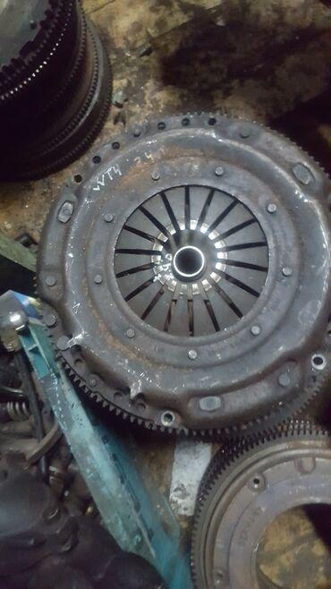 запчасти volkswagen transporter t4 в Кыргызстан: Volkswagen T4 корзина диск маховик 2.4 мотор распредвал головка блок в