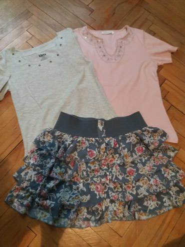Ženska odeća   Bor: SNIZENO . POVOLJNO. Mini suknja. malo nosena kao nova bez