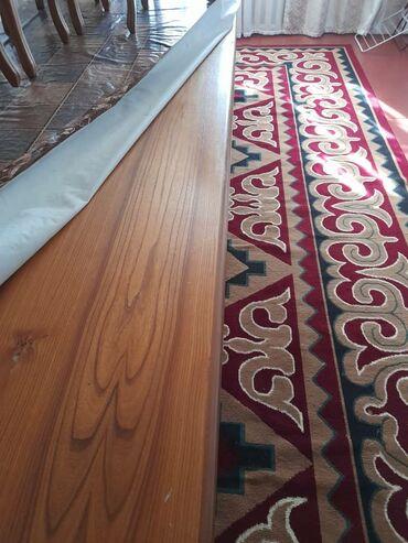 55 объявлений: Продаю стол 14 шт стулями чистое дерева КАРАГАЧ цена 34000 тысяч сом