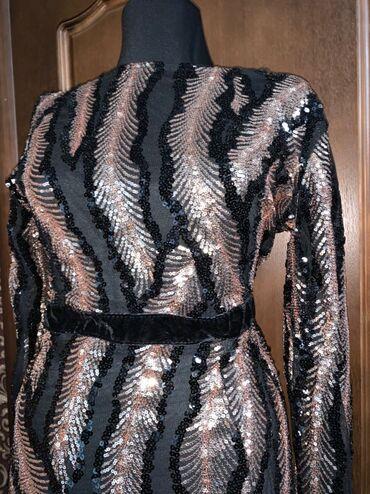 женское платье 56 размера в Кыргызстан: Срочно, ликвидация вещей!!! Продаются вещи ниже себестоимости.Вечернее