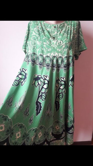 Платья свободного кроя, размер подойдёт на 48, 50 и 52. Ткань
