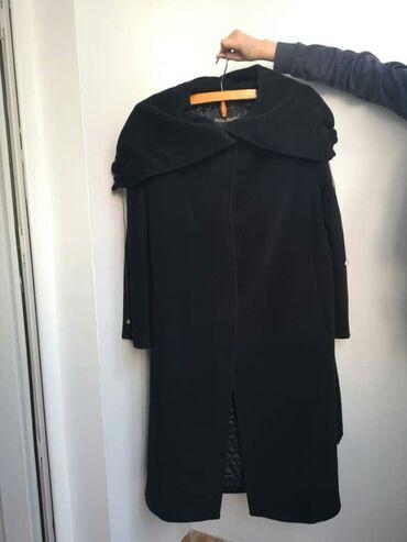 Продаю пальто, шерсть 80%, Италия, р.46, договорная