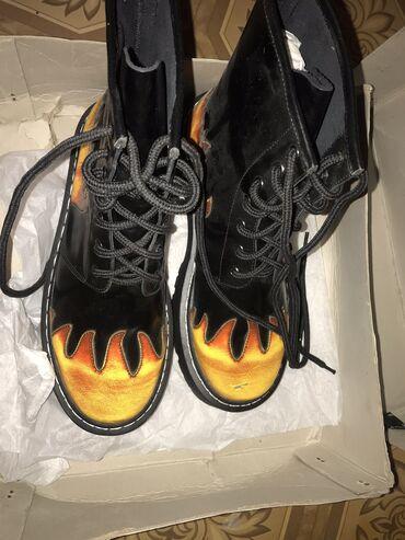 Продаю НОВЫЙ, кожаные идеальные ботинки 39 размера, стоимость 4500