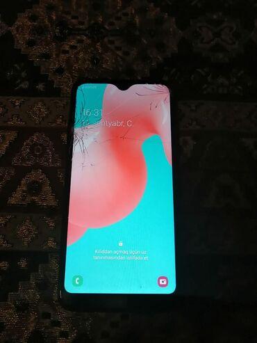 Samsung - Saray: Telfonun yalniz ekraninda cat var basqa hec bjr problemi yoxdu karopka