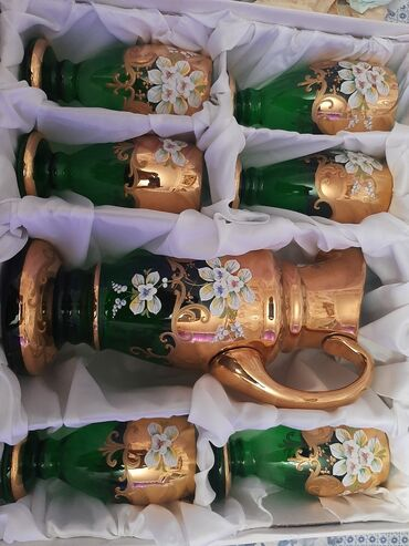 Çexiyanın Bohemia glass firmasınındır. Təzədir istifadə olunmayib