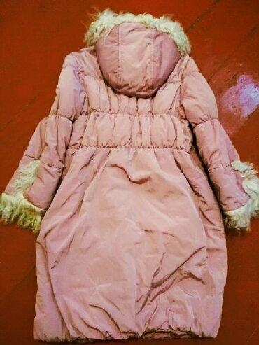Детский мир - Кызыл-Кия: Пуховик (Зима) на девочку. Одевался 1 сезон. Мех овца. Производство